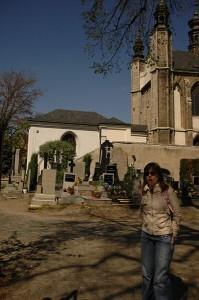 Кладбище около монастыря