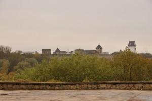 Вид на крепость из города